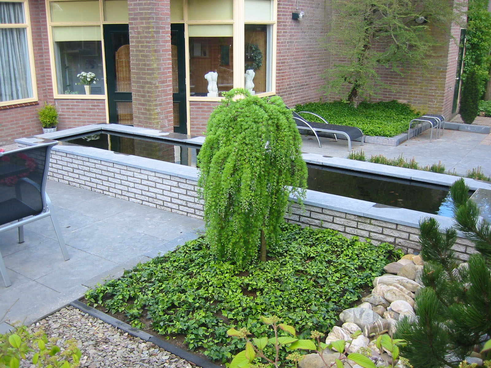 Twello weultjes kies voor de vakman for Strakke kleine tuin
